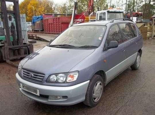 Toyota Ipsum XM1