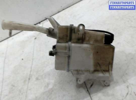 Бачок омывателя на Toyota Avensis III