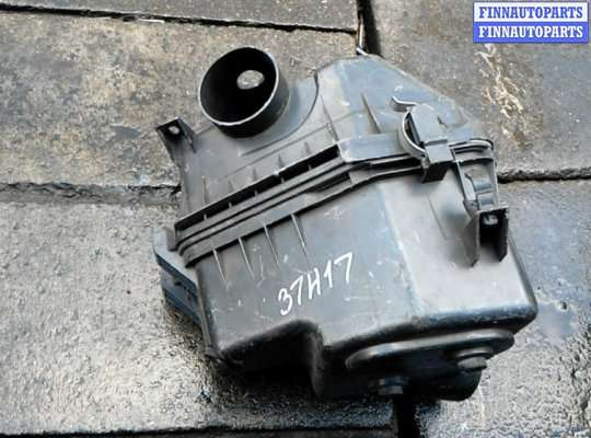 Корпус воздушного фильтра на Toyota RAV4 III