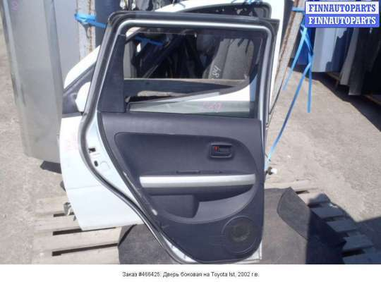 Дверь боковая на Toyota Ist (NCP60)
