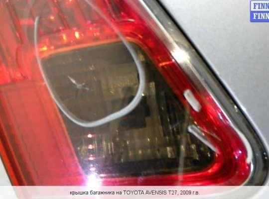 Крышка багажника на Toyota Avensis III