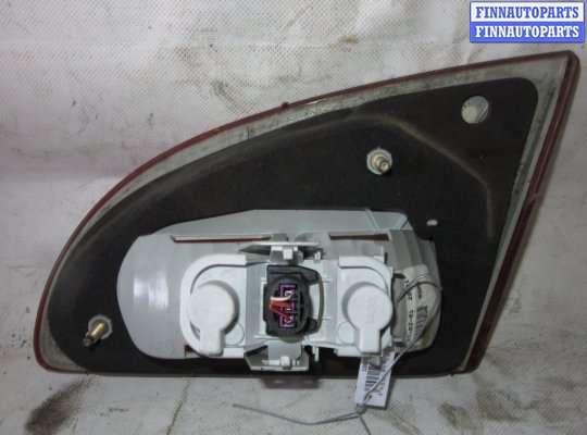 Фонарь крышки багажника на Toyota Avensis I