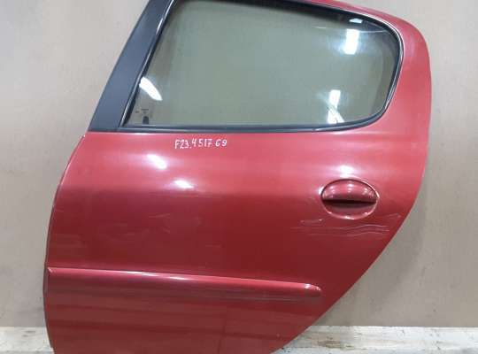 купить Дверь боковая на Peugeot 206