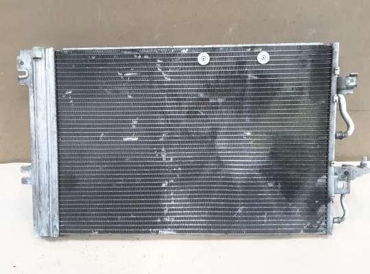 Радиатор кондиционера на Opel Zafira B
