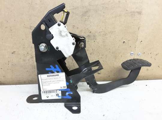 купить Педальный узел (педаль) на Renault Grand Scenic II
