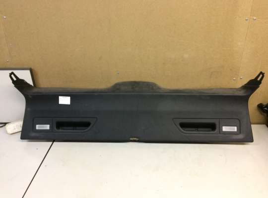 купить Обшивка двери багажника на BMW X5 (E70)