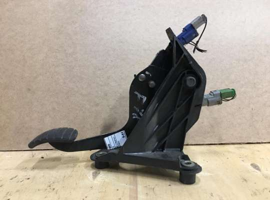 купить Педальный узел (педаль) на Renault Laguna II