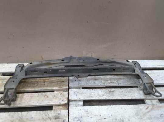 купить Балка под радиатор на Volkswagen Passat B3 (35i)