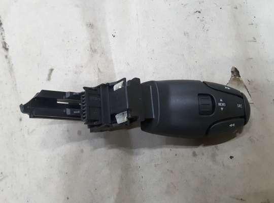 купить Переключатель магнитолы на Citroen C5 I