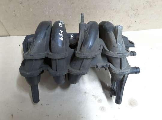 Коллектор впускной на Renault Clio II