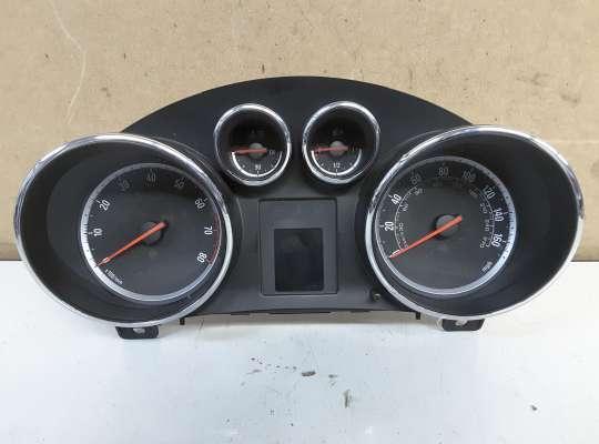 купить Щиток приборов на Opel Astra J