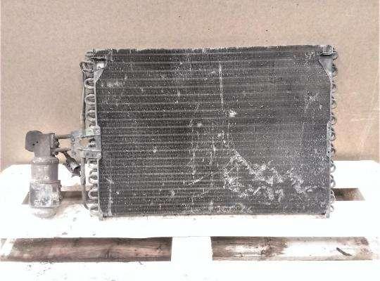 Радиатор кондиционера на Renault Laguna I