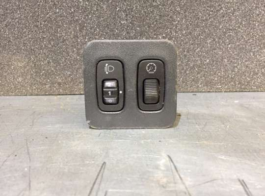 купить Блок управления (фарами) светом на Mitsubishi Lancer IX