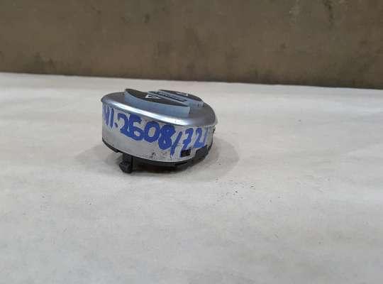 купить Кнопка регулировки подвески. на Citroen C5 I