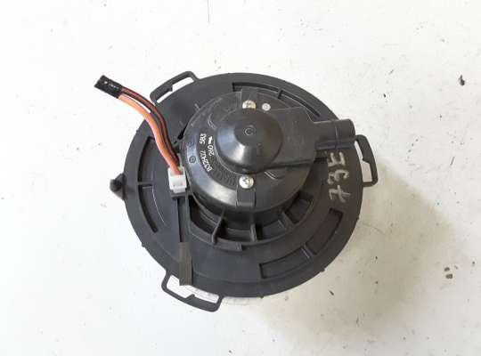 купить Мотор отопителя (печки) на Mazda 3 I (BK)