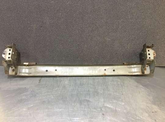 купить Усилитель бампера на Honda CR-V II (RD_)