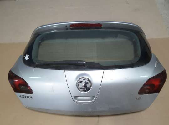 купить Крышка багажника на Opel Astra J
