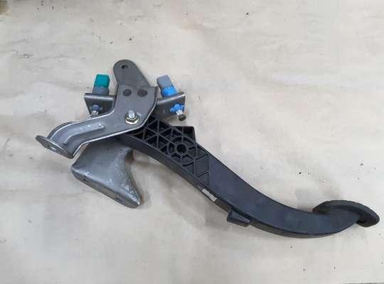 купить Педаль сцепления на Renault Megane II