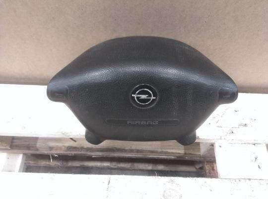 купить Подушка безопасности водителя (AirBag) на Opel Vectra B