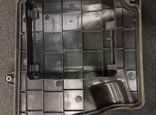 купить Крышка блока предохранителей на Renault Master III