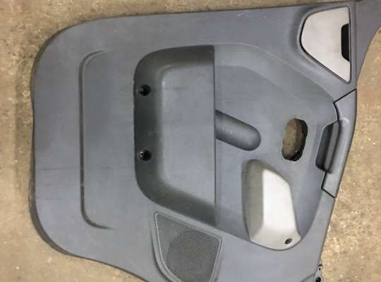 купить Обшивка боковой двери на Renault Master III