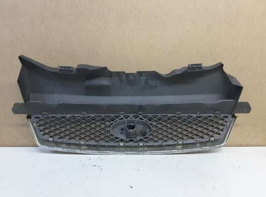 купить Решетка радиатора на Ford Focus II