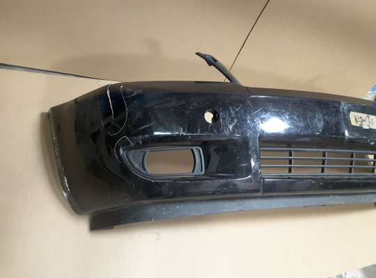 купить Бампер передний на Kia Carnival II (VQ)