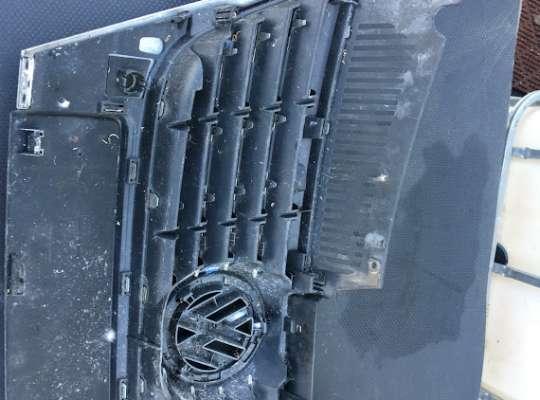 купить Решетка радиатора на Volkswagen Passat B6 (3C)