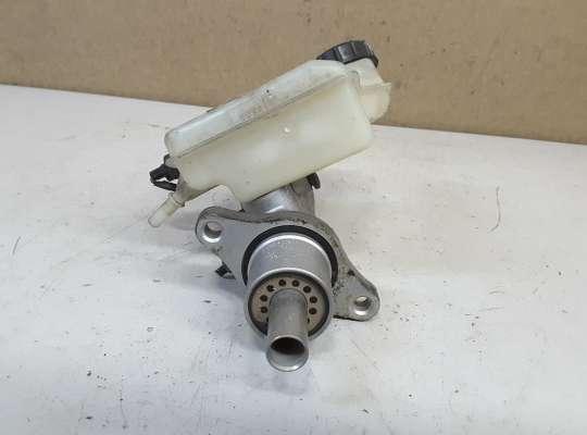 купить Главный тормозной цилиндр (ГТЦ) на Mazda 3 I (BK)