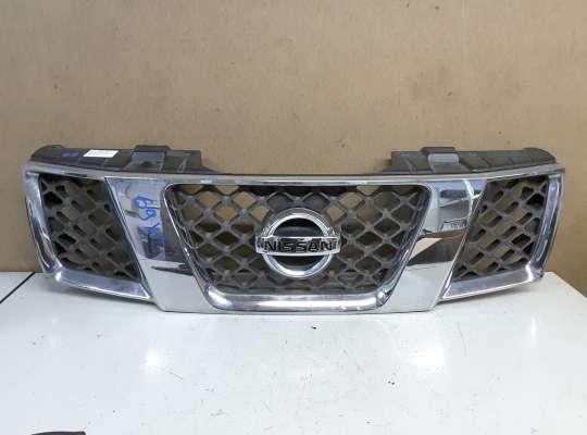 купить Решетка радиатора на Nissan Navara (D40)
