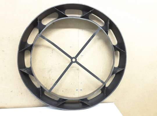 купить Кронштейн запасного колеса на Opel Astra H / Classic