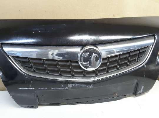 купить Решетка радиатора на Opel Astra J