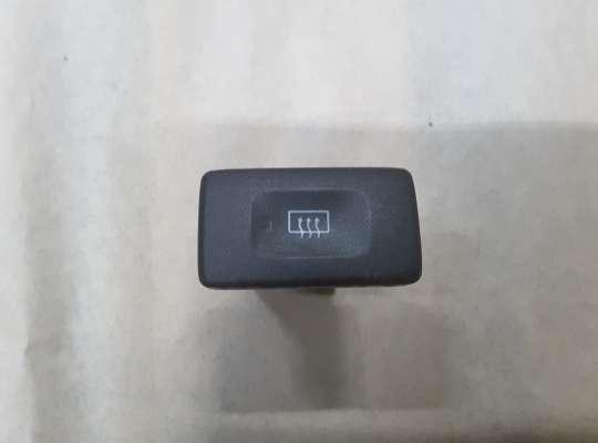купить Кнопка обогрева заднего стекла на Nissan Primera (P11)