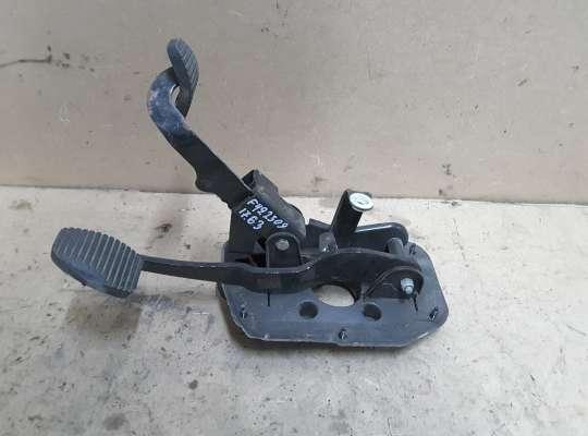 купить Педаль сцепления и тормоза на Citroen Xsara (N1)