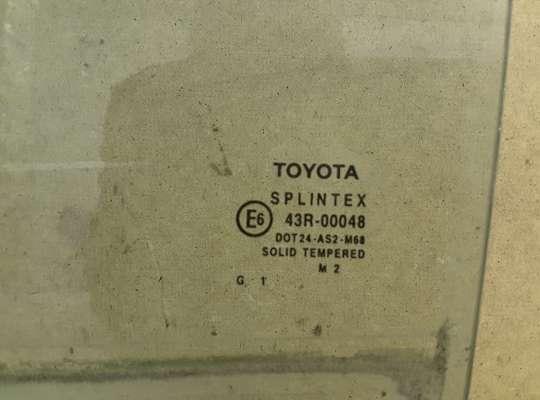 купить Стекло боковое двери на Toyota Avensis II