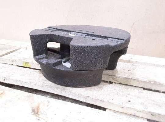 купить Ниша под инструменты в багажник на Peugeot 206