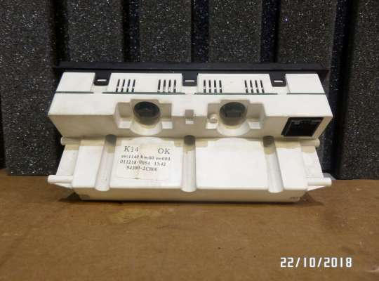 купить Приборная панель (Щиток) на Hyundai Coupe / Tiburon II (GK)