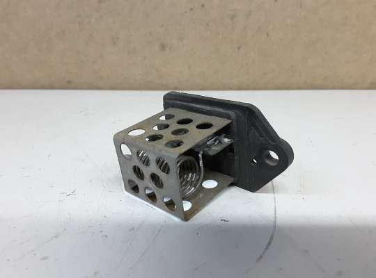 купить Резистор (реостат) вентилятора радиатора на Peugeot 307