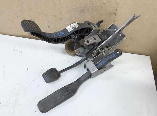 купить Педальный узел (педаль) на Ford Mondeo III