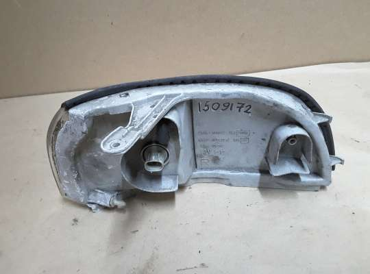 купить Поворотник передний на Toyota Corolla 7 (E10)