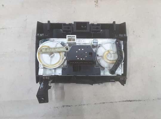 Блок управления печкой на Opel Zafira A
