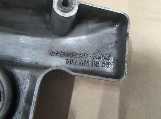 купить Крышка клапанная (крышка головки блока) на Mercedes-Benz T1 (601/602)