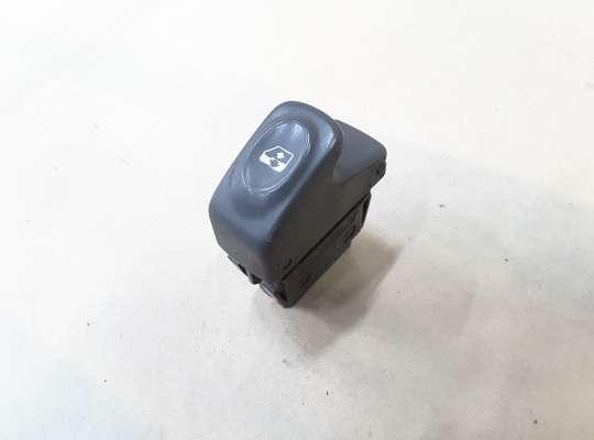 купить Кнопка стеклоподъёмника на Renault Scenic I