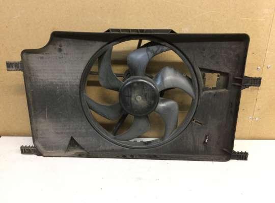 купить Диффузор (кожух) вентилятора радиатора на Renault Laguna II