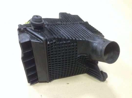Корпус воздушного фильтра на Renault Megane II