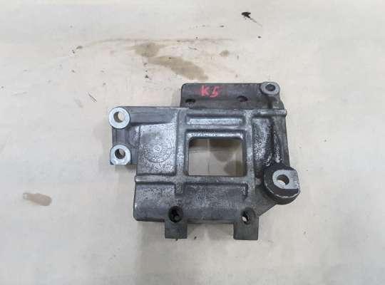 купить Кронштейн компрессора кондиционера на Kia Carnival I (UP, GQ)
