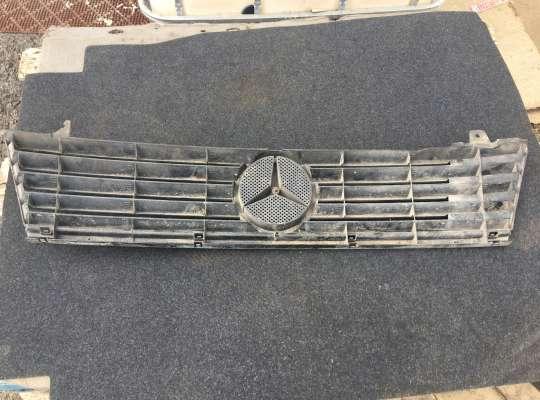 купить Решетка радиатора на Mercedes-Benz Vito (W638)