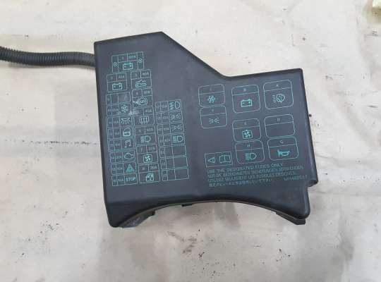 купить Блок предохранителей на Mitsubishi Carisma