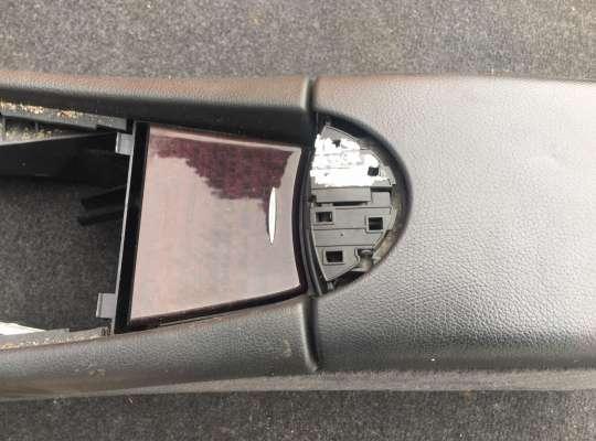 купить Подлокотник на Mercedes-Benz E (W211)