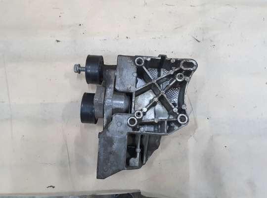 купить Кронштейн генератора на Peugeot 206